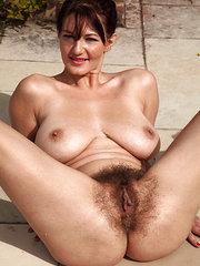 my plump hairy pussy beeg