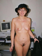 screwing a horny milf hairy pussy beeg