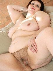 hairy pussy nice tits beeg