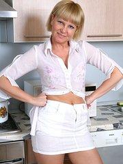 Lana full pussy demonstration beeg porn